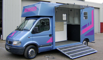 coach built horsebox exterior